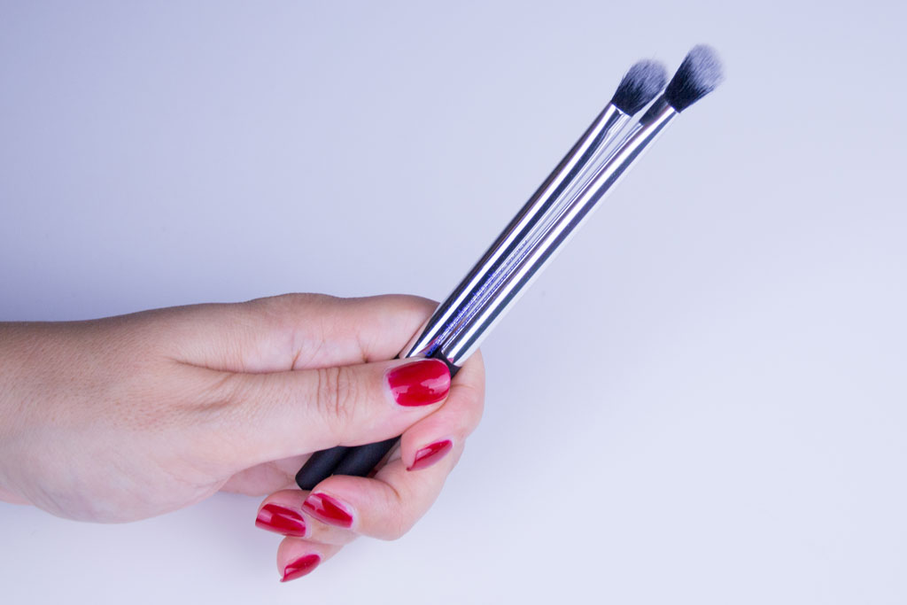 Real Techniques Base Shadow and the Angled Shadow Brush